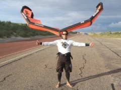 instructeur de kitesurf Dim: le + pédago mais le + foufou !